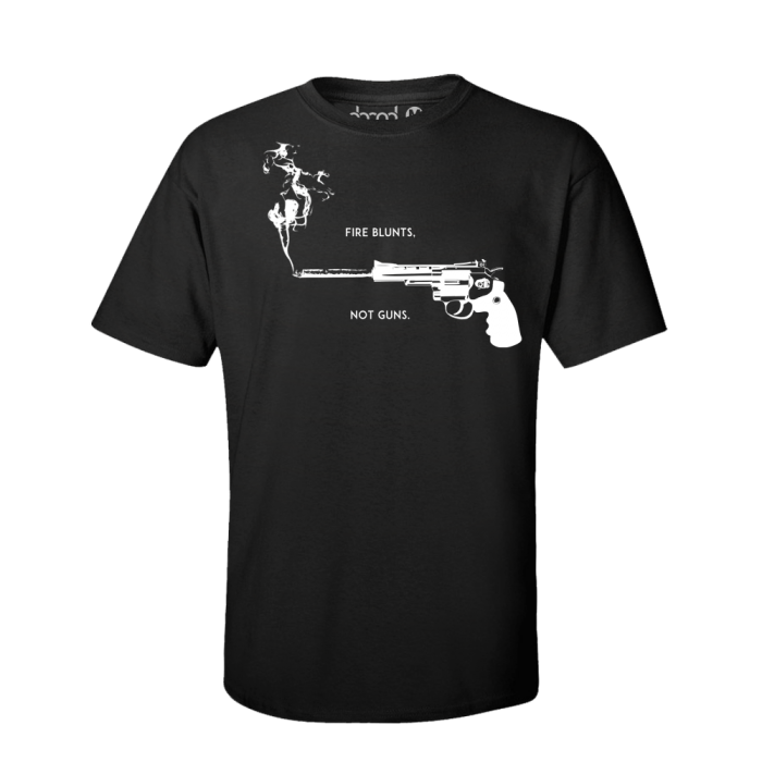 BLUNTS NOT GUNS Shirt Schwarz Mockup